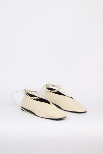 Emma Flat Leather Cream Beigeblanc sur blanc 블랑수블랑
